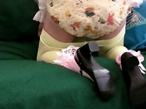diapered sissy wearing nanppy